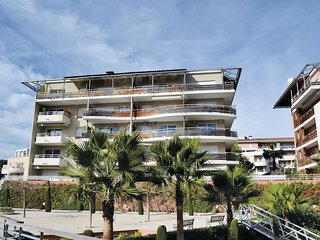 2 bedroom Apartment in Les Termes, Provence-Alpes-Cote d'Azur, France : ref 5539