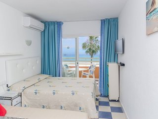 ☆BEACHFRONT GLORIOUS  SUNSHINE - SEA VIEWS