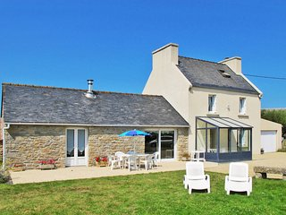 3 bedroom Villa in Plouneour-Trez, Brittany, France : ref 5649851