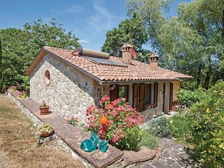 2 bedroom Villa in Il Santo Belfiore, Tuscany, Italy : ref 5540139