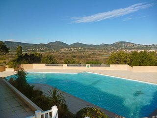 2 bedroom Apartment in Port Cogolin, Provence-Alpes-Cote d'Azur, France : ref 55