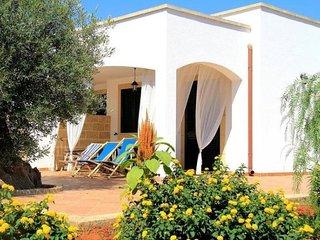 2 bedroom Villa in Marina di Pescoluse, Apulia, Italy - 5634818