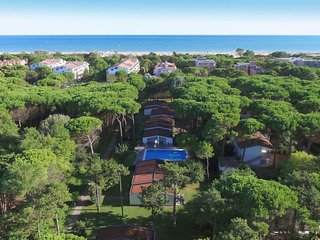 2 bedroom Apartment in Bibione Pineda, Veneto, Italy : ref 5638640
