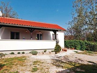 2 bedroom Villa in Pakostane, Zadarska Zupanija, Croatia : ref 5532315