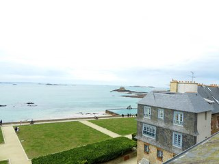 1 bedroom Apartment in Intra Muros, Brittany, France : ref 5557433