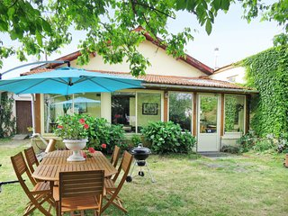 2 bedroom Villa in Le Coutaut, Nouvelle-Aquitaine, France : ref 5650222
