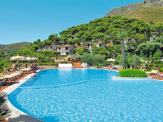 1 bedroom Apartment in Sperlonga, Latium, Italy : ref 5440524