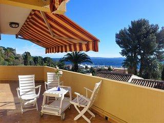 2 bedroom Apartment in Le Lavandou, Provence-Alpes-Côte d'Azur, France : ref 555