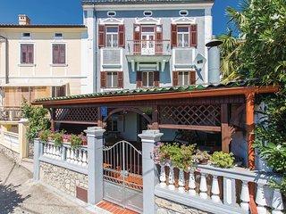 4 bedroom Villa in Omisalj, Primorsko-Goranska Zupanija, Croatia : ref 5521132