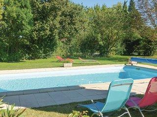 1 bedroom Villa in Paluds-de-Noves, Provence-Alpes-Cote d'Azur, France : ref 558
