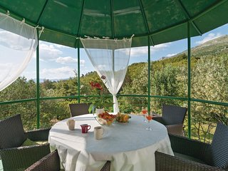 2 bedroom Villa in Grljevac, Splitsko-Dalmatinska Županija, Croatia : ref 554659