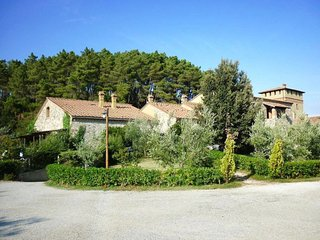 Podere Dottrina Apartment Sleeps 6 with Pool Air Con and WiFi - 5655135