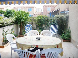 2 bedroom Apartment in Gruissan-Plage, Occitania, France : ref 5555947