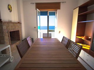 4 bedroom Villa with Walk to Beach & Shops - 5581824