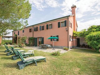 2 bedroom Villa in Isolaverde, Veneto, Italy : ref 5540721
