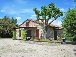 2 bedroom Villa in Volterra, Tuscany, Italy : ref 5446599