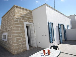 4 bedroom Villa in Pizzo, Apulia, Italy : ref 5627088