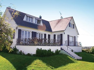 3 bedroom Villa in Beaumont, Brittany, France : ref 5538922