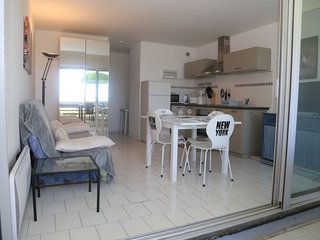 2 bedroom Apartment in Canet-Plage, Occitania, France : ref 5389146