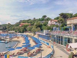2 bedroom Apartment in Rosignano Solvay-Castiglioncello, Tuscany, Italy : ref 55