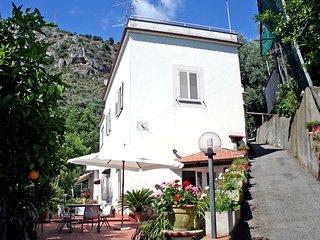 4 bedroom Villa in Arola-Preazzano, Campania, Italy : ref 5554033