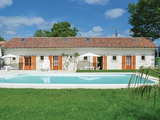 2 bedroom Villa in Asnois, Nouvelle-Aquitaine, France : ref 5547120