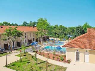 2 bedroom Apartment in Hourtin, Nouvelle-Aquitaine, France - 5682826
