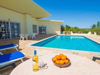 2 bedroom Villa with Pool, Air Con and WiFi - 5607825