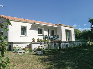 2 bedroom Villa in Saint-Michel-Chef-Chef, Pays de la Loire, France : ref 553538