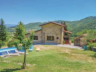 3 bedroom Villa in Bagnaia, Tuscany, Italy : ref 5545026