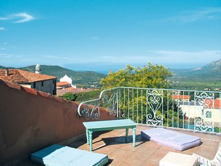 3 bedroom Villa in Calenzana, Corsica, France : ref 5638195