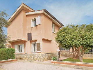 3 bedroom Villa in Torre Colonna-Sperone, Sicily, Italy : ref 5629998