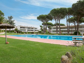 Calella de Palafrugell Apartment Sleeps 4 with Pool and WiFi - 5223579