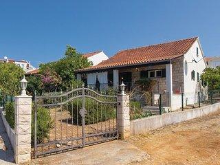 2 bedroom Villa in Milna, Splitsko-Dalmatinska Županija, Croatia : ref 5533506