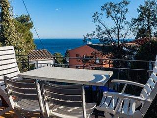 Calella de Palafrugell Apartment Sleeps 4 with Pool - 5246994