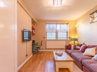 One Bed Apartment near Tower Bridge , London Bridge & Central London