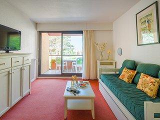 Appartement lumineux a 900m de la plage! Balcon/Terrasse prive(e)