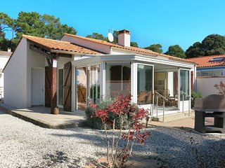 2 bedroom Villa in La Tranche-sur-Mer, Pays de la Loire, France - 5473687