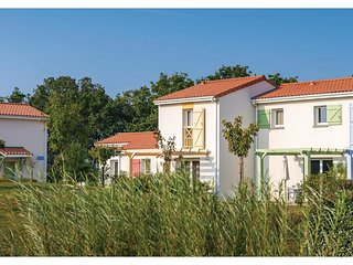 2 bedroom Villa in Saint-Jean-d'Orbetiers, Pays de la Loire, France : ref 553733