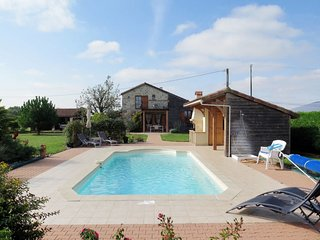 2 bedroom Villa in Lusignan-Petit, Nouvelle-Aquitaine, France : ref 5649961