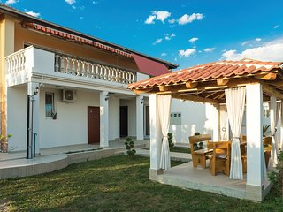 2 bedroom Apartment in Kaštel Kambelovac, Splitsko-Dalmatinska Županija, Croatia