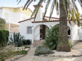 2 bedroom Villa in Empuriabrava, Catalonia, Spain - 5506761