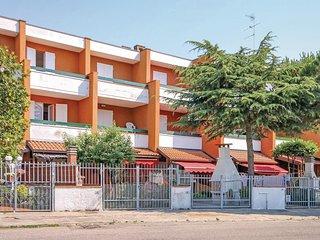 2 bedroom Villa in Lido delle Nazioni, Emilia-Romagna, Italy - 5539747