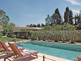 2 bedroom Villa in Saint-Remy-de-Provence, France - 5565708