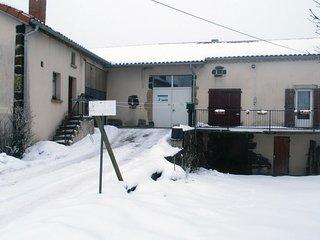 3 bedroom Villa in La Sauvetat, Auvergne-Rhone-Alpes, France : ref 5609491