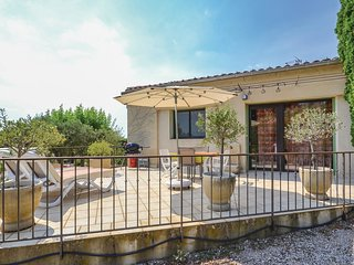 1 bedroom Villa in Vacqueyras, Provence-Alpes-Cote d'Azur, France : ref 5548190