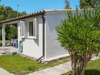 Ghisonaccia Holiday Home Sleeps 6 with Pool Air Con and Free WiFi - 5638183