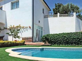 3 bedroom Apartment in Sant Cebria de Vallalta, Catalonia, Spain : ref 5545879