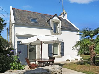3 bedroom Villa in Tregunc, Brittany, France : ref 5650569