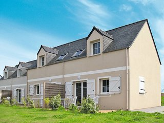 2 bedroom Apartment in Pentrez, Brittany, France - 5438368